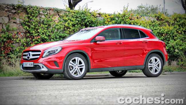 Mercedes_Benz_GLA_012
