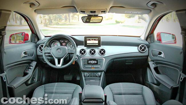Mercedes_Benz_GLA_016