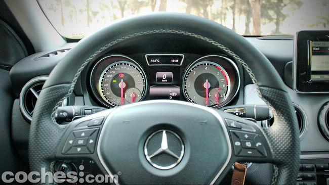 Mercedes_Benz_GLA_025