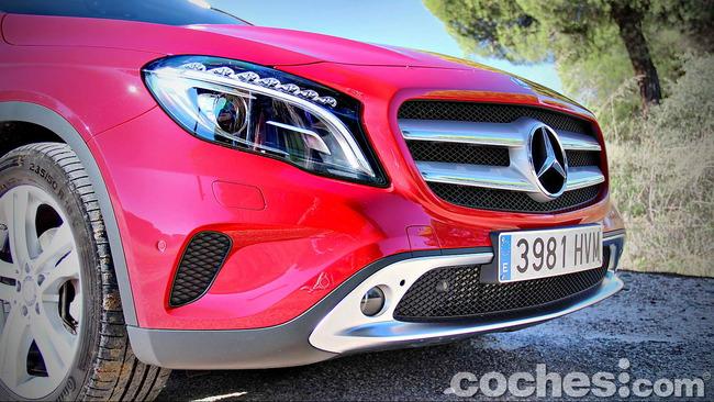 Mercedes_Benz_GLA_040