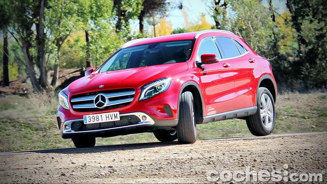 Mercedes_Benz_GLA_054
