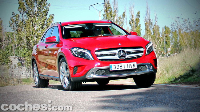 Mercedes_Benz_GLA_081