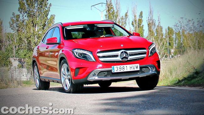 Mercedes_Benz_GLA_081