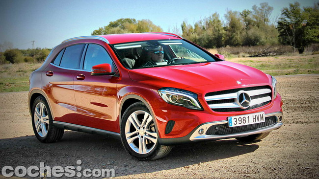 Mercedes_Benz_GLA_085