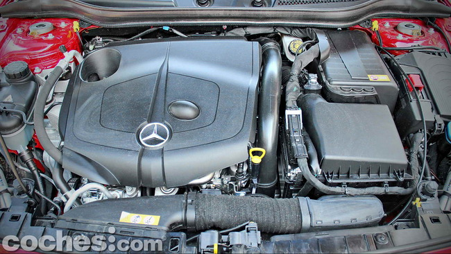 Mercedes_Benz_GLA_087