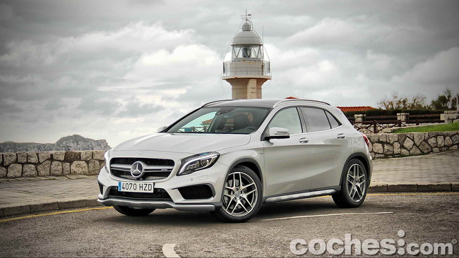 Mercedes_Benz_GLA_45_AMG_4Matic_003