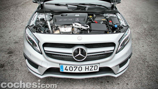 Mercedes_Benz_GLA_45_AMG_4Matic_026