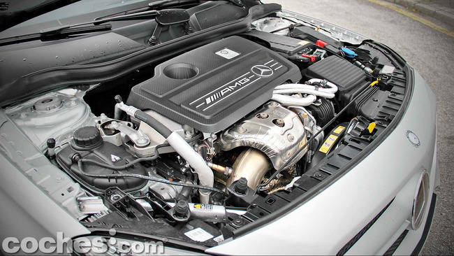 Mercedes_Benz_GLA_45_AMG_4Matic_030
