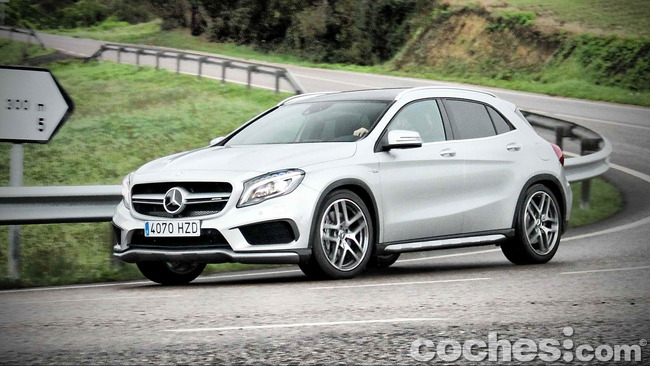 Mercedes_Benz_GLA_45_AMG_4Matic_036