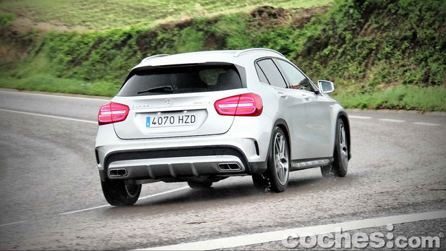 Mercedes_Benz_GLA_45_AMG_4Matic_038