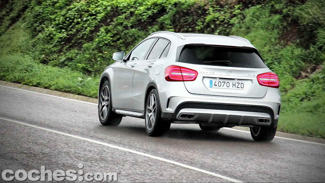 Mercedes_Benz_GLA_45_AMG_4Matic_039