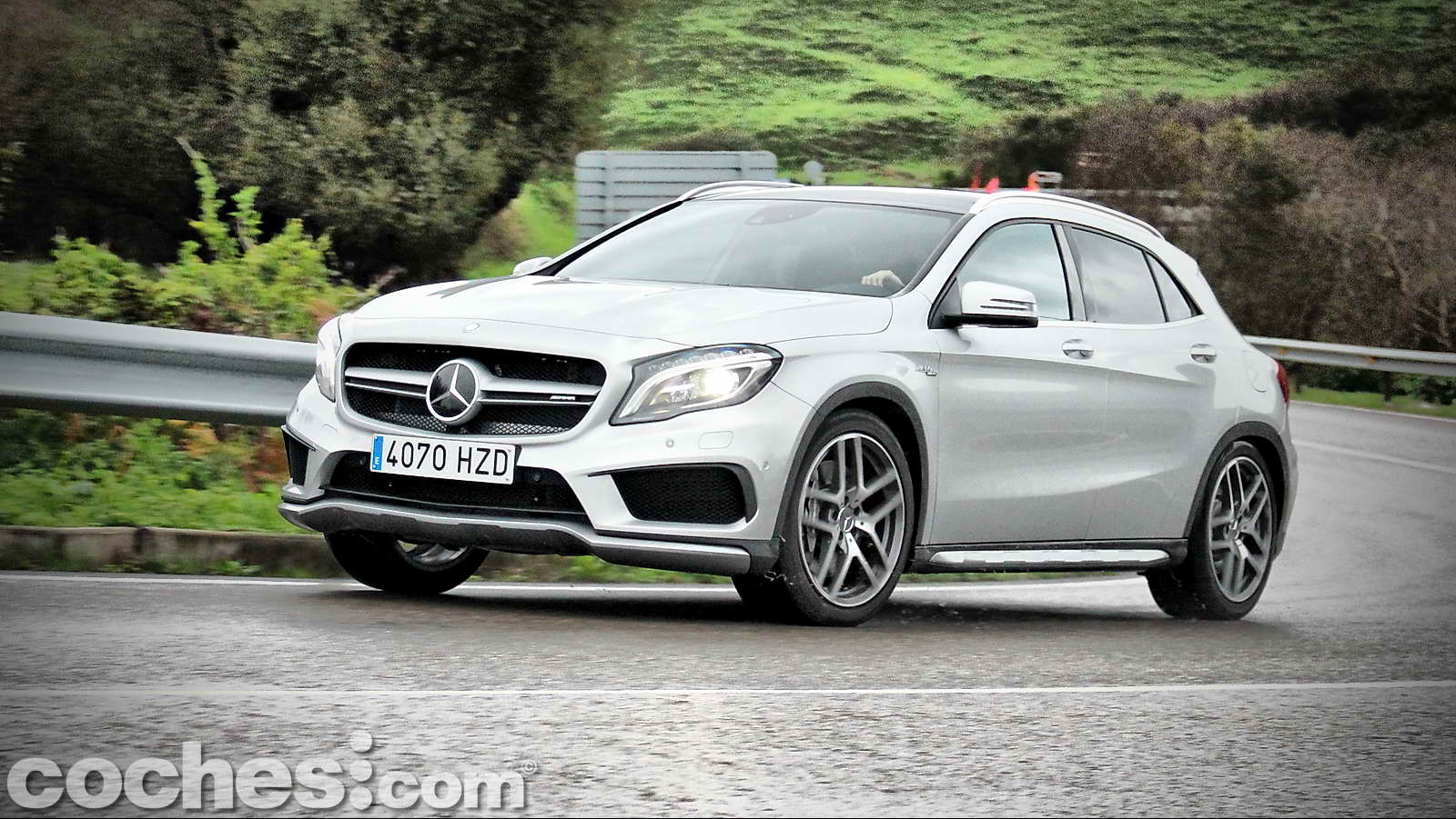 Mercedes_Benz_GLA_45_AMG_4Matic_043
