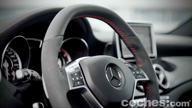 Mercedes_Benz_GLA_45_AMG_4Matic_058