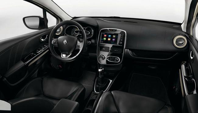 Renault Clio Initiale Paris 2015 interior 05
