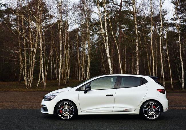 Renault Clio RS 220 Trophy EDC 2015 03