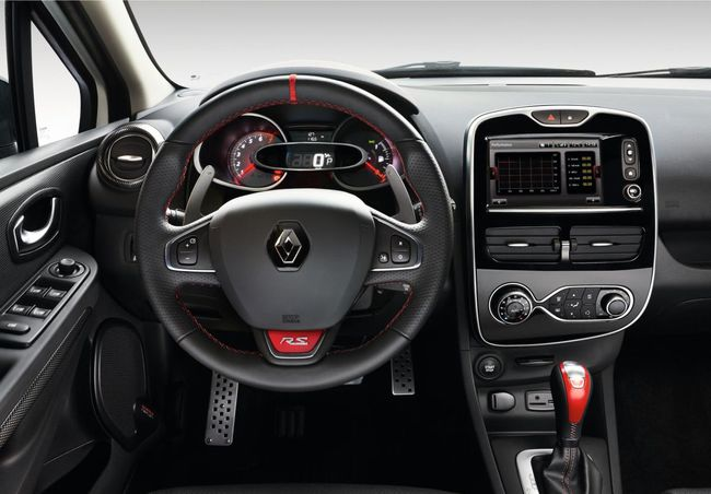 Renault Clio RS 220 Trophy EDC 2015 interior 02