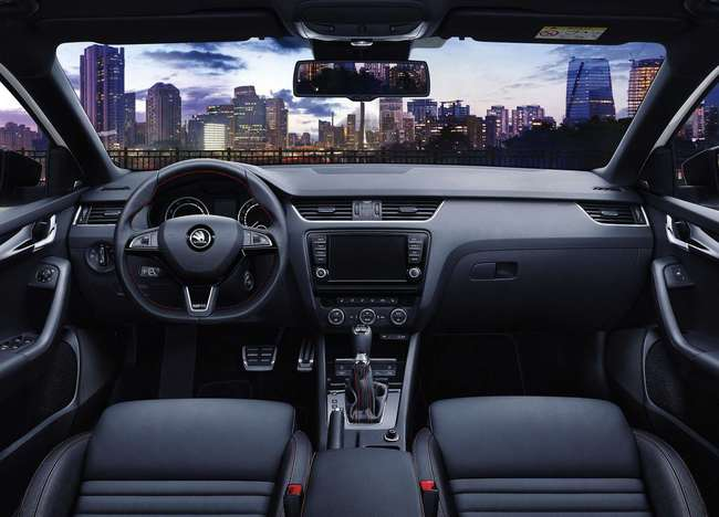 Skoda Octavia RS 230 2015 interior 02