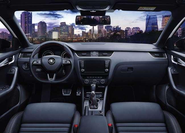Skoda Octavia RS 230 2015 interior 02