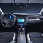 Toyota Avensis 2015 interior 01