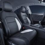 Toyota Avensis 2015 interior 02