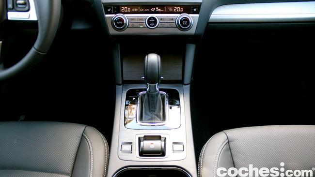 prueba Subaru Outback 2015 interior     15