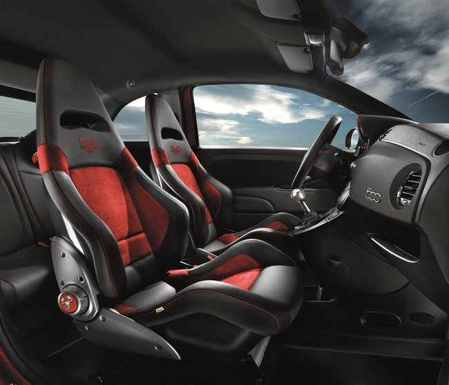Abarth 595 2015 interior 01