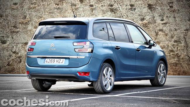 Citroën_Grand_C4_Picasso_007