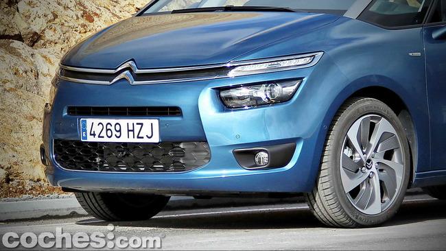 Citroën_Grand_C4_Picasso_008