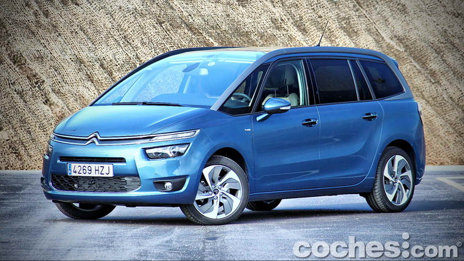 Citroën_Grand_C4_Picasso_013