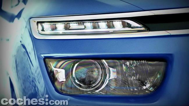 Citroën_Grand_C4_Picasso_018
