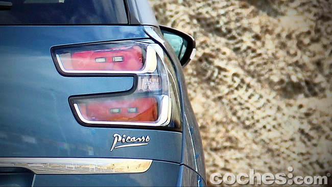 Citroën_Grand_C4_Picasso_020