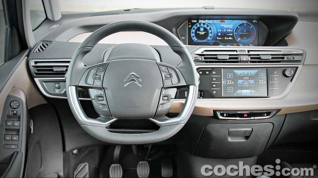 Citroën_Grand_C4_Picasso_024