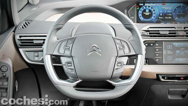 Citroën_Grand_C4_Picasso_025