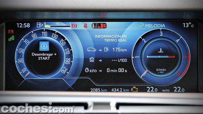 Citroën_Grand_C4_Picasso_046