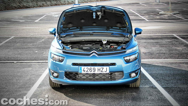 Citroën_Grand_C4_Picasso_058