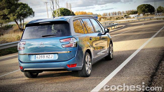 Citroën_Grand_C4_Picasso_064