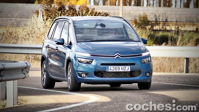 Citroën_Grand_C4_Picasso_066