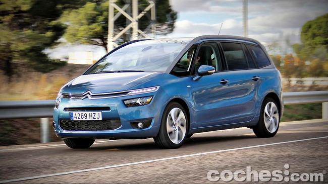 Citroën_Grand_C4_Picasso_068
