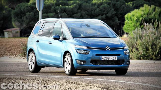 Citroën_Grand_C4_Picasso_071