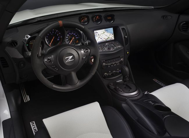 Nissan 370Z Roadster Nismo Concept 2015 interior 02