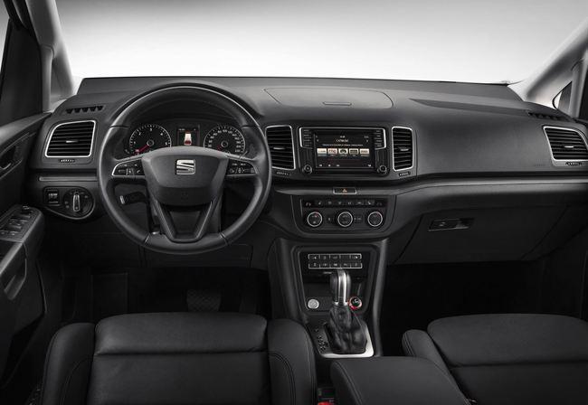 SEAT Alhambra 2015 interior 01