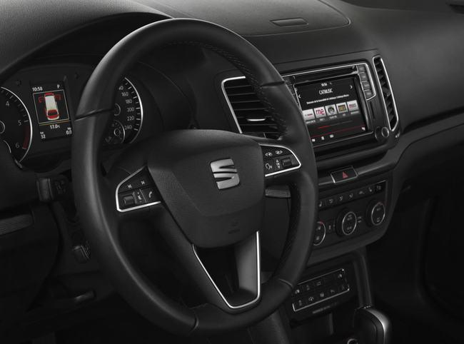 SEAT Alhambra 2015 interior 02