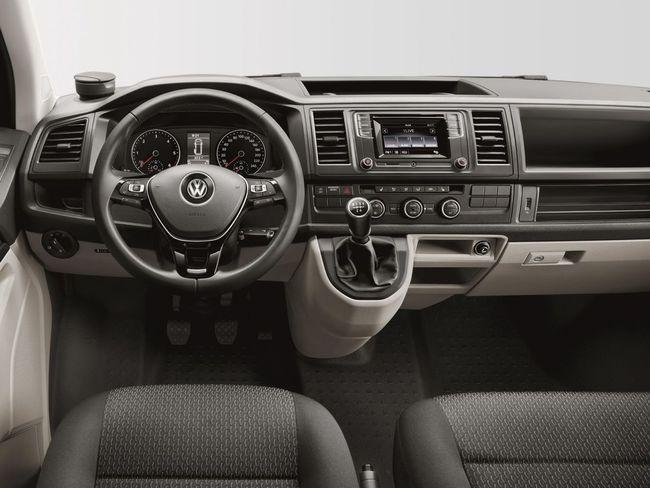 Volkswagen T6 2015 interior 02