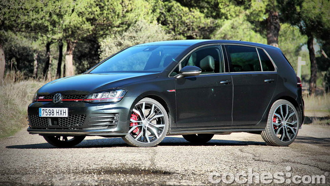 Volkswagen_Golf_GTI_Performance_008