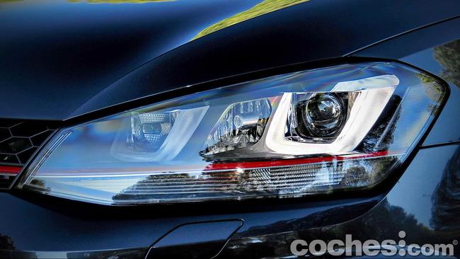 Volkswagen_Golf_GTI_Performance_017