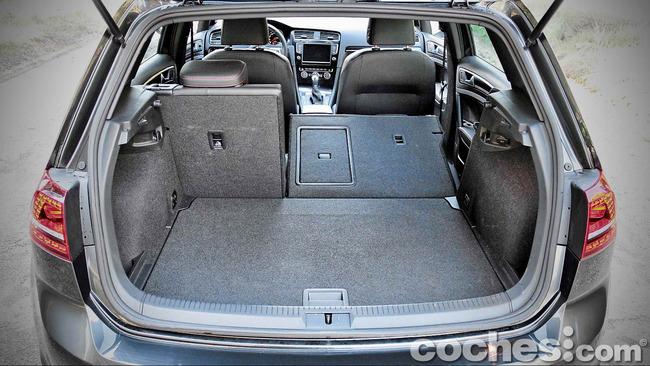 Volkswagen_Golf_GTI_Performance_035