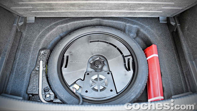 Volkswagen_Golf_GTI_Performance_039