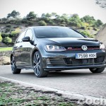 Volkswagen_Golf_GTI_Performance_077