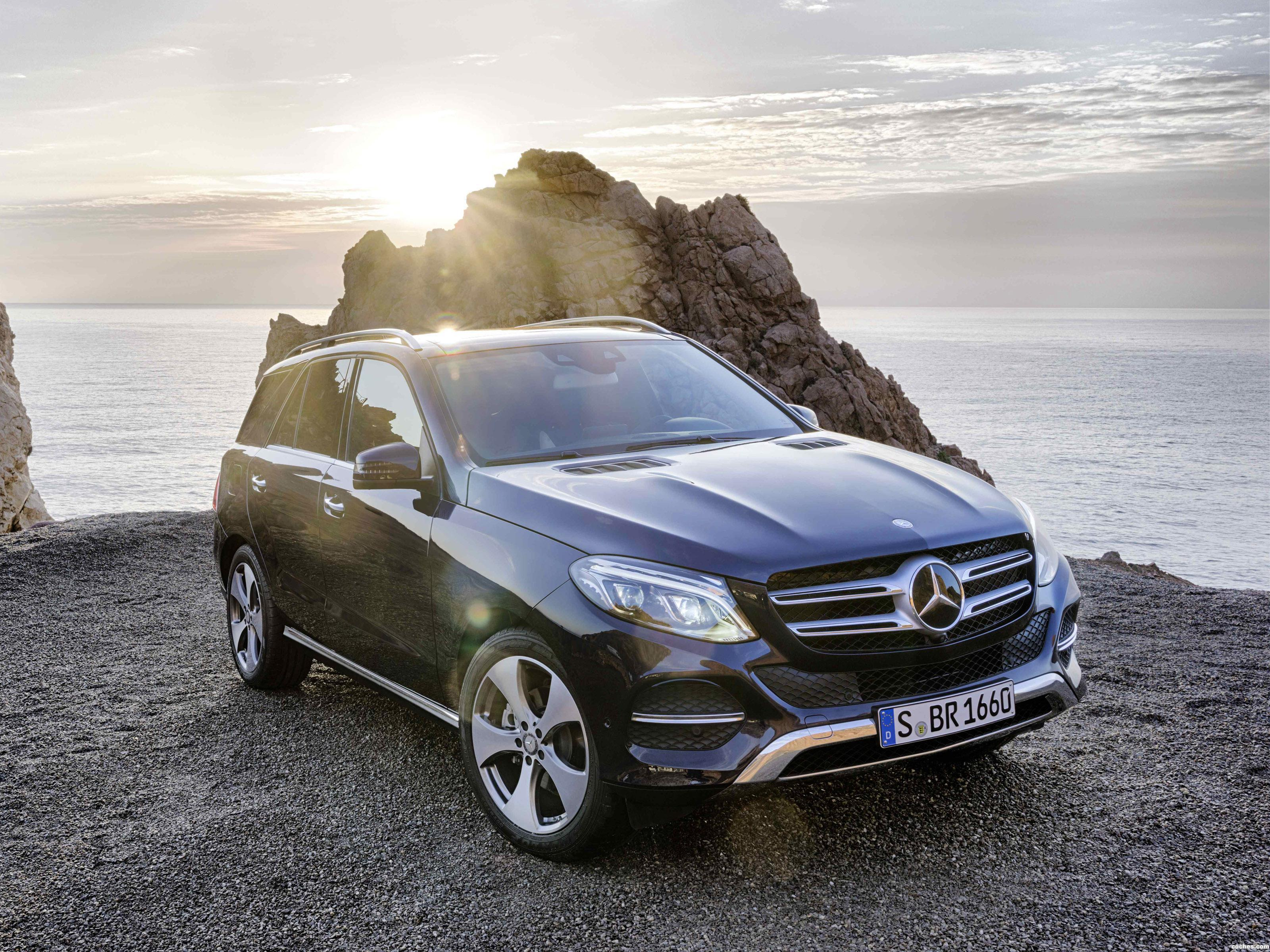 fotos de mercedes gle 250 d 4matic w166 2015. Black Bedroom Furniture Sets. Home Design Ideas