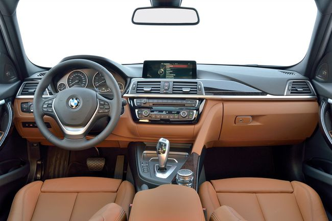 BMW Serie 3 Touring 2015 Luxury Line 04
